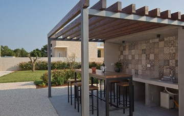 Newly built villa for seven persons, private pool, WiFi, parking