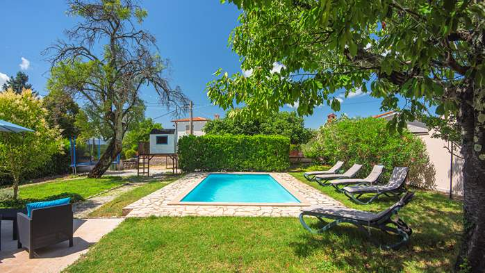 Stone villa on three floors with swimming pool and lovely garden, 1