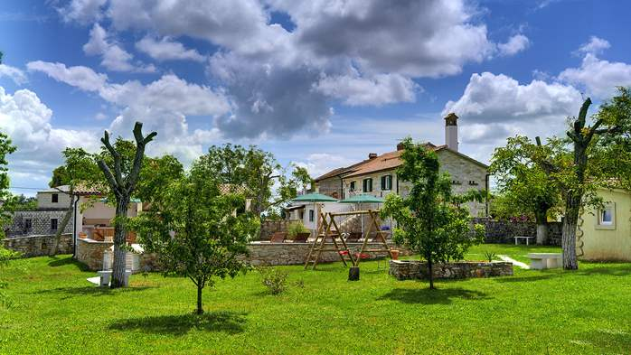 Stone house for 4 persons, tavern with fireplace and large garden, 5