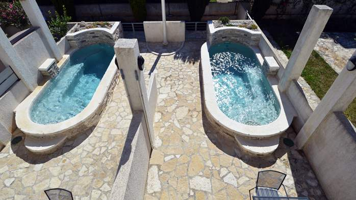 Beautiful three-storey villa with 2 swimming pools and a terrace, 6