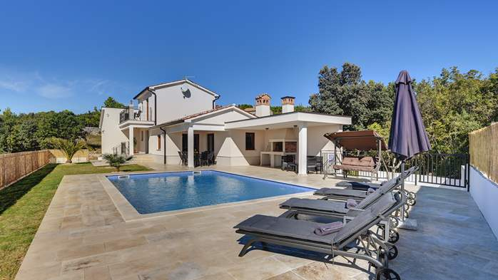Beautiful villa with stunning sea views, pool, terrace, billiards, 1