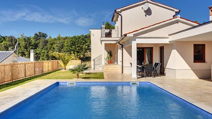 Beautiful villa with stunning sea views, pool, terrace, billiards, 5