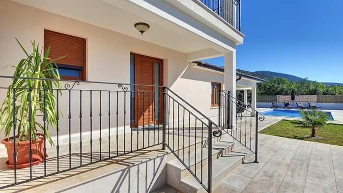 Beautiful villa with stunning sea views, pool, terrace, billiards, 10