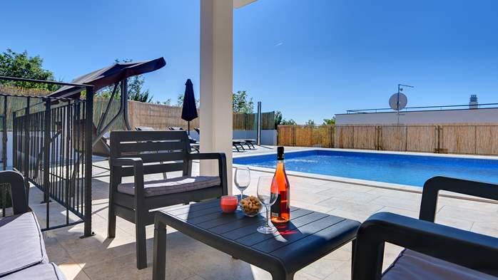 Beautiful villa with stunning sea views, pool, terrace, billiards, 6