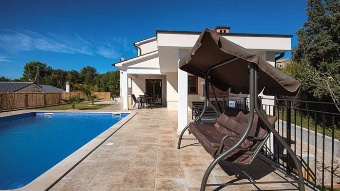 Beautiful villa with stunning sea views, pool, terrace, billiards, 9