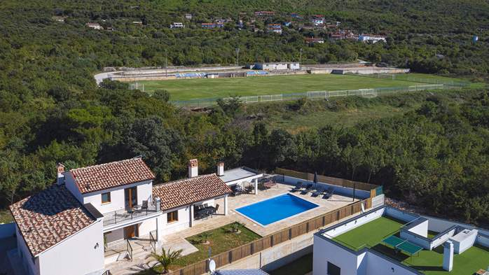 Beautiful villa with stunning sea views, pool, terrace, billiards, 12