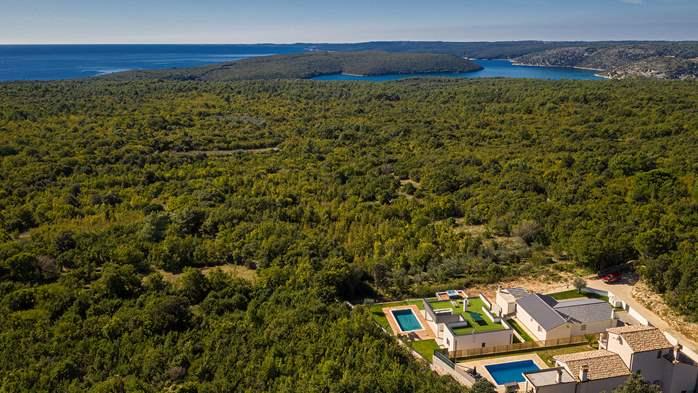 Beautiful villa with stunning sea views, pool, terrace, billiards, 14