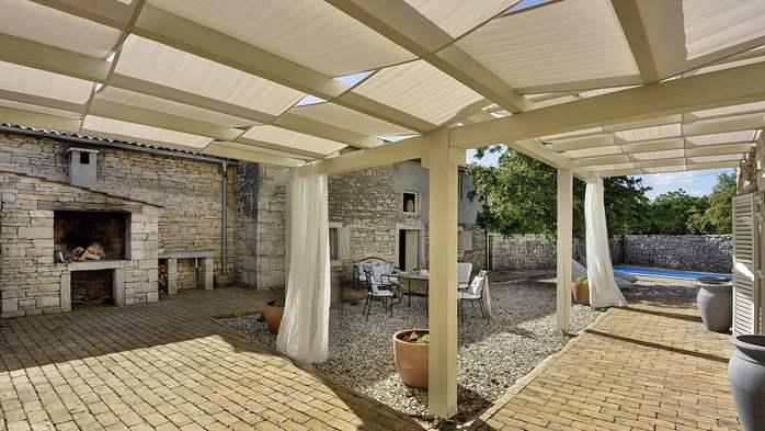 Stone villa on three floors with private pool, 7
