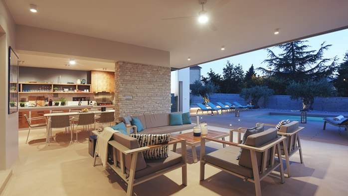 Modern villa with sea view and outdoor kitchen, 18