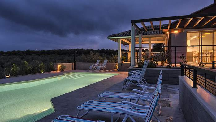 Unique villa surrounded by nature, with outdoor pool, 14