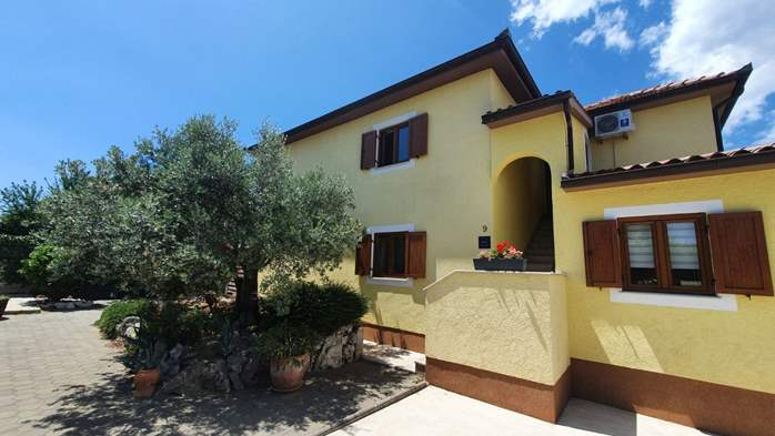 Private house in Pula offers comfortable accommodation, 21