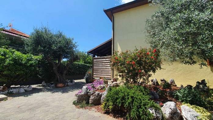 Private house in Pula offers comfortable accommodation, 20