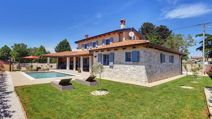 Modern villa for eight persons, with private pool, 1