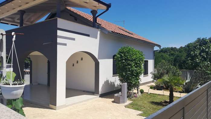 House in Pavicini offers apartments for families, 8