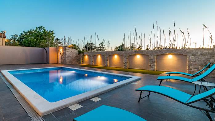 Luxurious villa with pool, sun terrace and terrace with fireplace, 8