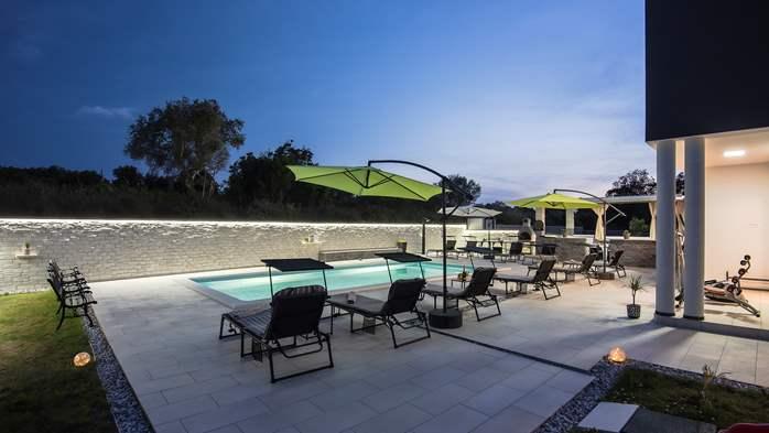 Modern villa in Štinjan offers a saltwater pool, Wi-Fi, BBQ, 15