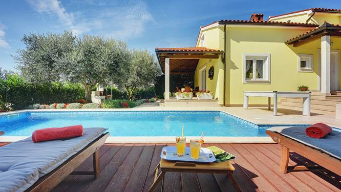 Beautiful villa in Pula for six persons, with private heated pool, 7