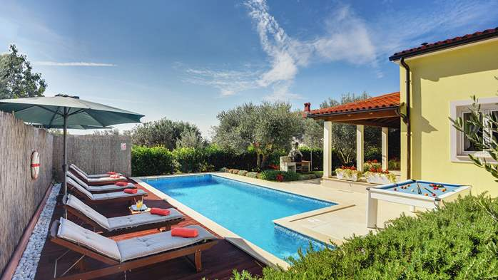 Beautiful villa in Pula for six persons, with private heated pool, 9