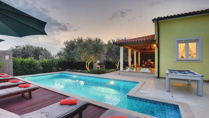 Beautiful villa in Pula for six persons, with private heated pool, 14
