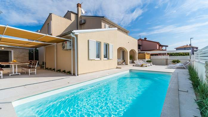 Villa in Pula with five bedrooms and a saltwater pool, 7