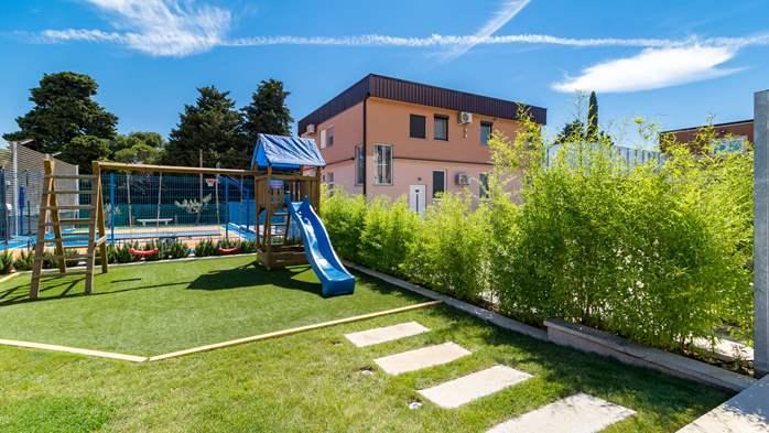 Beautiful villa with pool, playground, sauna and jacuzzi, 5