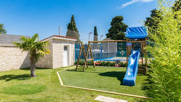 Beautiful villa with pool, playground, sauna and jacuzzi, 16