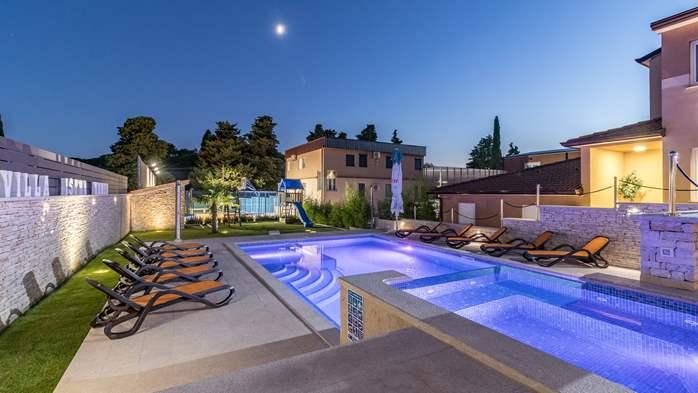 Beautiful villa with pool, playground, sauna and jacuzzi, 4