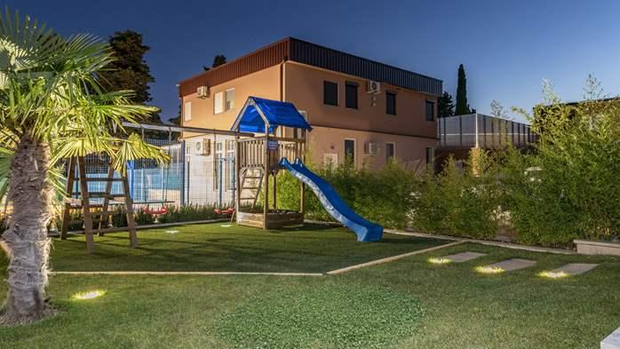 Beautiful villa with pool, playground, sauna and jacuzzi, 20