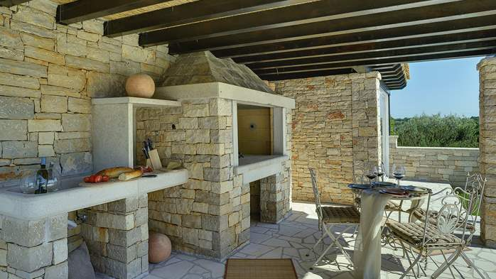 Stone villa near Rovinj, 2 swimming pools, 2 jacuzzis, 3 saunas, 30