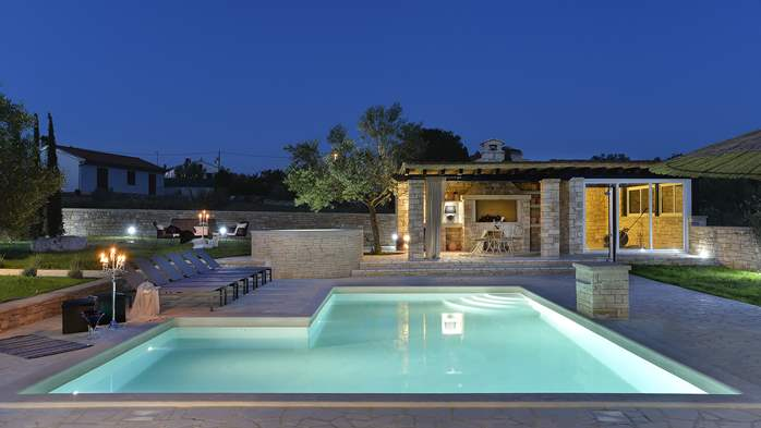 Stone villa near Rovinj, 2 swimming pools, 2 jacuzzis, 3 saunas, 11