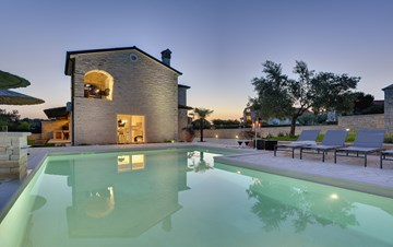 Stone villa near Rovinj, 2 swimming pools, 2 jacuzzis, 3 saunas