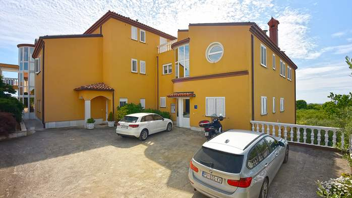 Apartments in Galizana with landscaped garden and children's play, 18