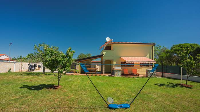 House in Pula with two bedrooms and a large garden, 2