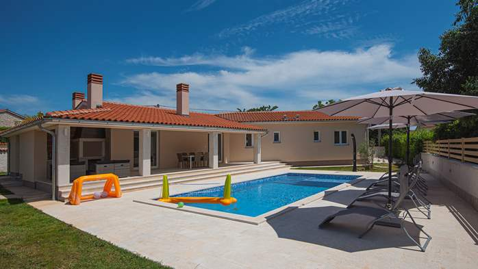 Spacious villa with three bedrooms and a private pool, 3