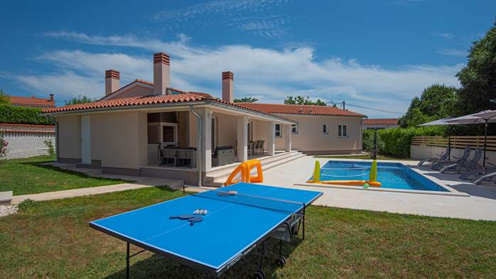 Spacious villa with three bedrooms and a private pool, 4