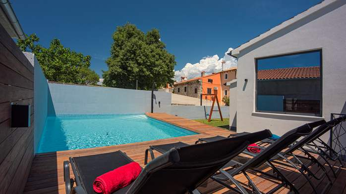 Beautifully decorated villa with private pool and large terrace, 2