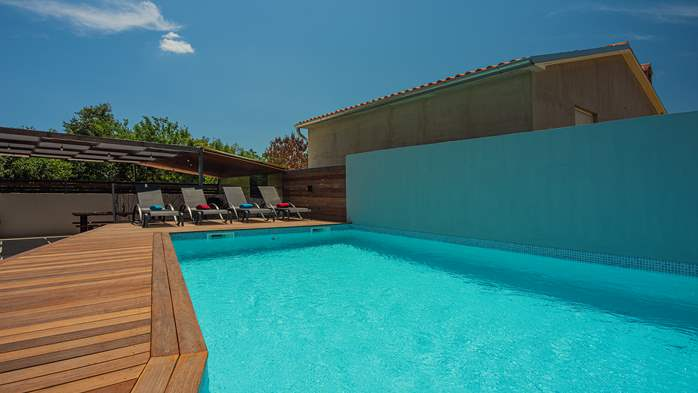 Beautifully decorated villa with private pool and large terrace, 10