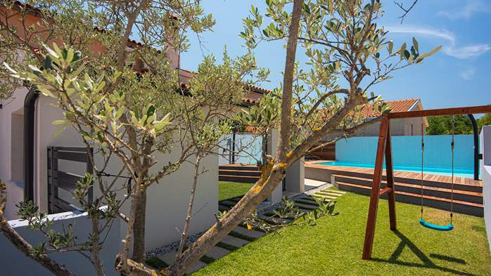 Beautifully decorated villa with private pool and large terrace, 4