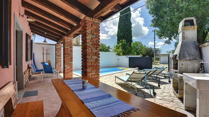 House with private pool for 6 persons, barbecue, WiFi, 2