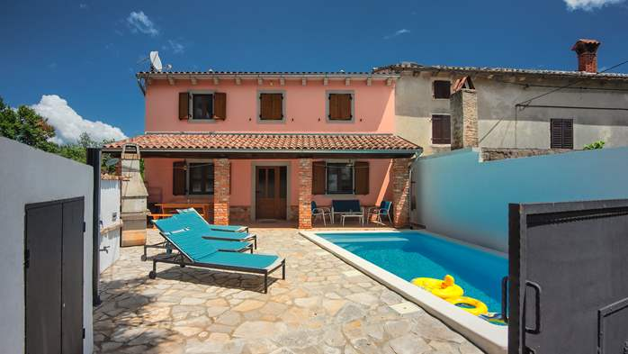 House with private pool for 6 persons, barbecue, WiFi, 4