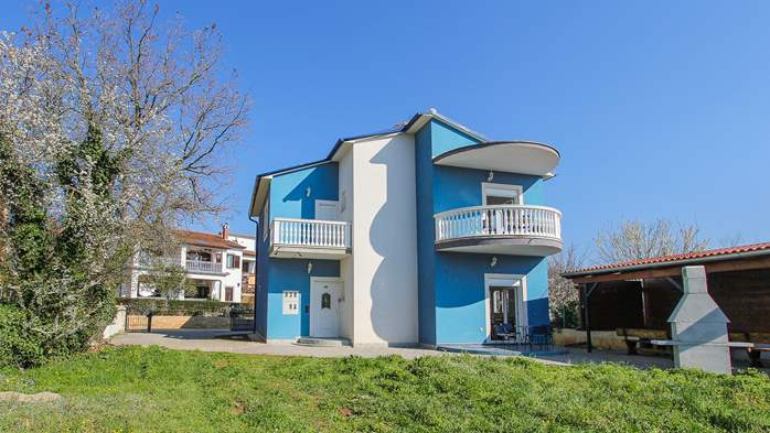 Modernly decorated Casa Mate in Medulin with 5 bedrooms, 1