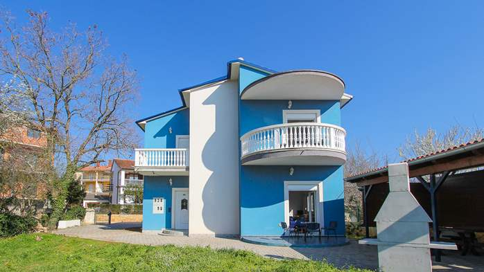 Modernly decorated Casa Mate in Medulin with 5 bedrooms, 3