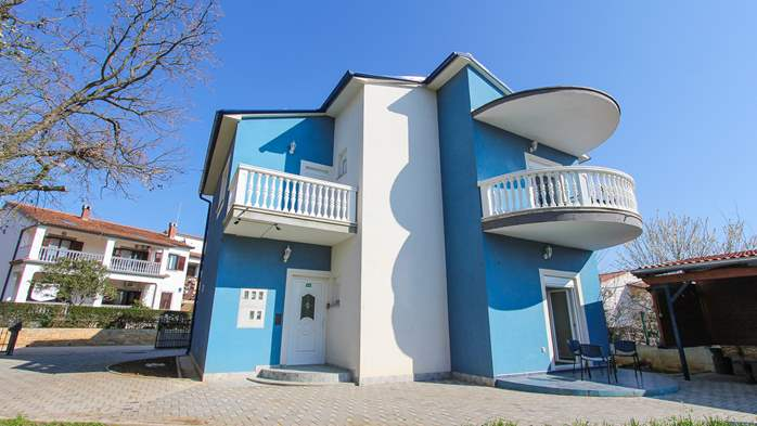 Modernly decorated Casa Mate in Medulin with 5 bedrooms, 2