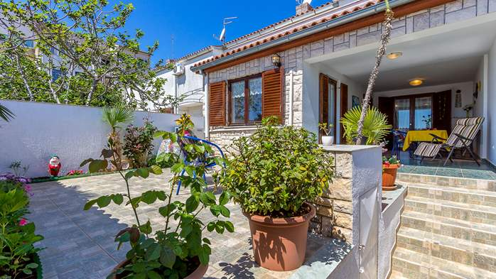 Terrace house in Barbariga with a beautiful apartment by the sea, 16