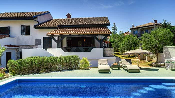 Villa in Ližnjan with private pool, sun terrace and fenced garden, 8