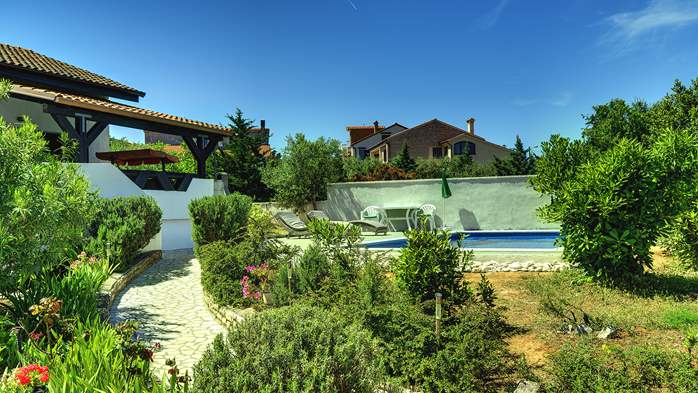 Villa in Ližnjan with private pool, sun terrace and fenced garden, 14