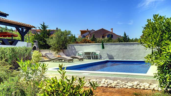 Villa in Ližnjan with private pool, sun terrace and fenced garden, 15