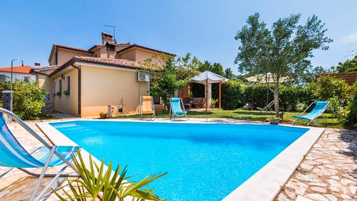 Villa in Ližnjan with private pool, can host up to 13 persons, 1