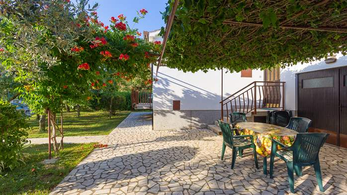 Holiday house in Medulin with spacious garden and terrace, 3