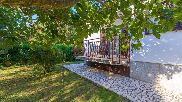 Holiday house in Medulin with spacious garden and terrace, 4